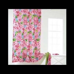 HPFI Lilly Pulitzer Shower Curtain HOTTY PINK FIRS